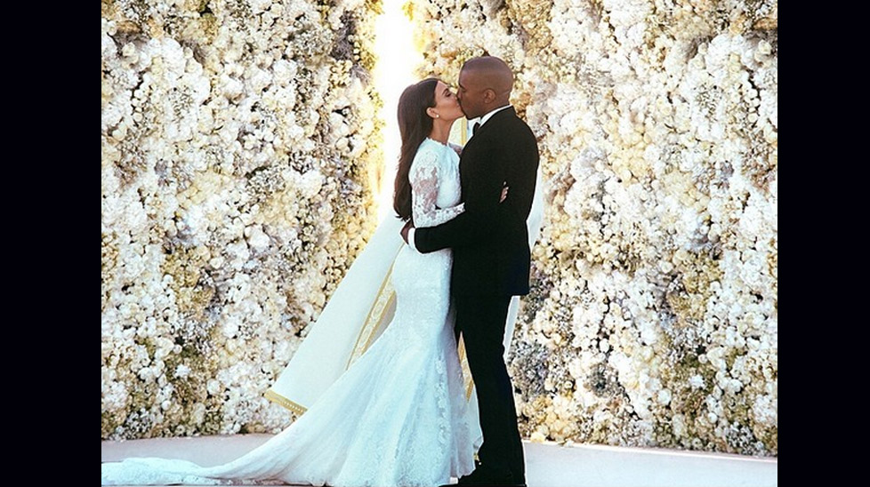Kim releases new pictures of wedding