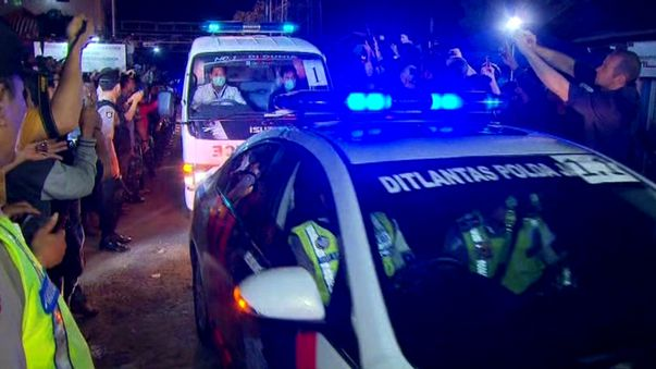 The bodies of the executed inmates arrive in Cilacap. (9NEWS)
