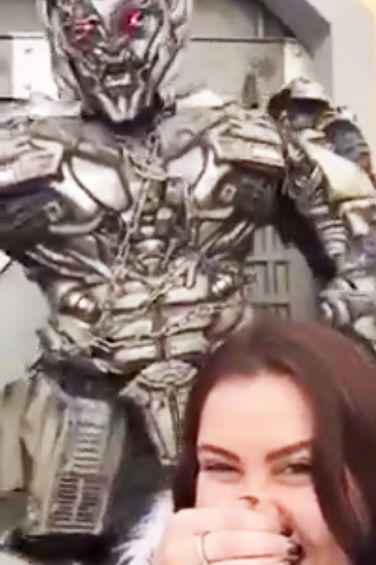 Transformer tells humanity what he thinks of selfies