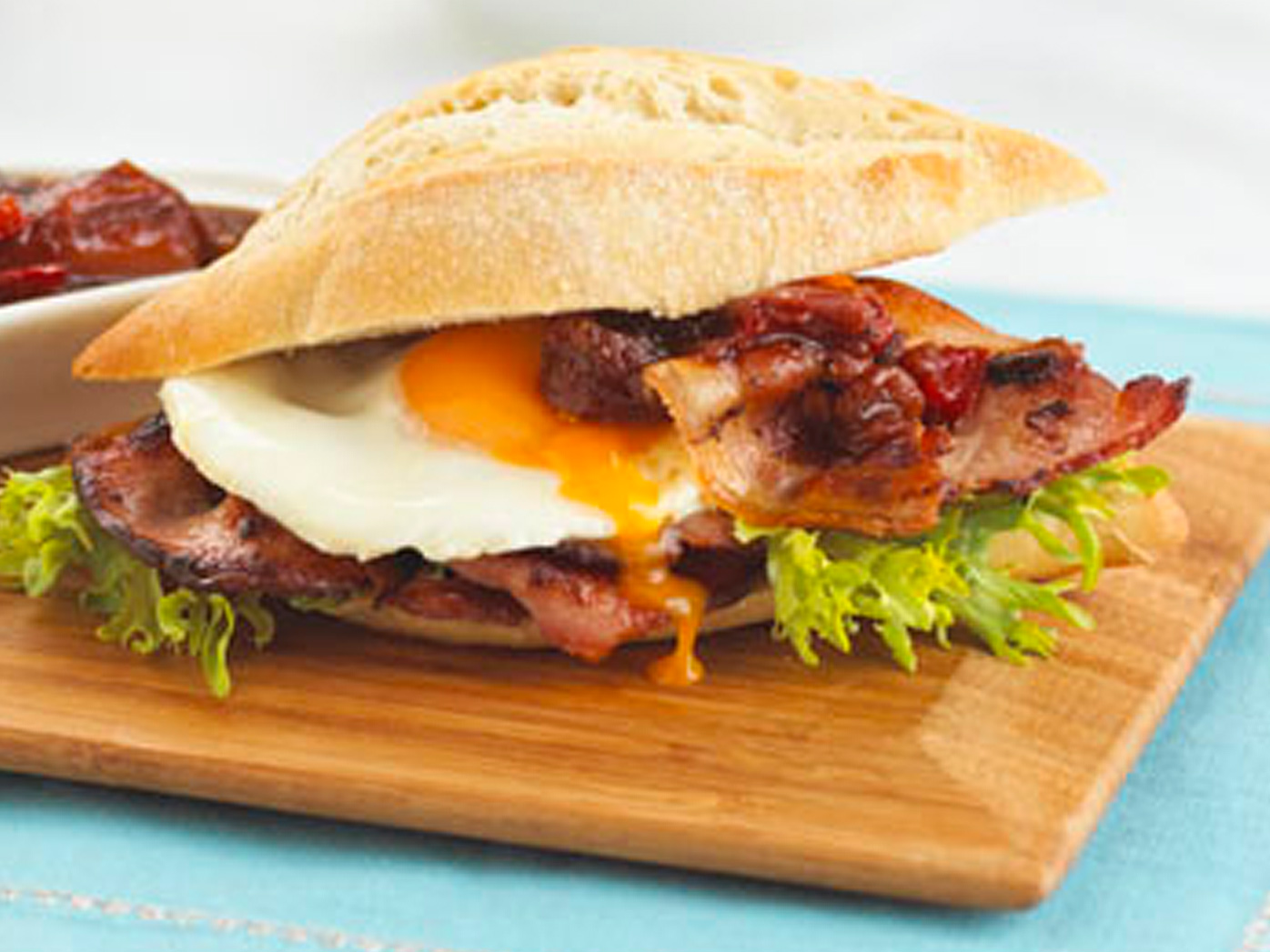 Cafe-style bacon and egg roll