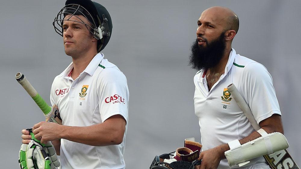 AB de Villiers (L) is South Africa'snew captain after Hashim Amla stood down. (AFP)
