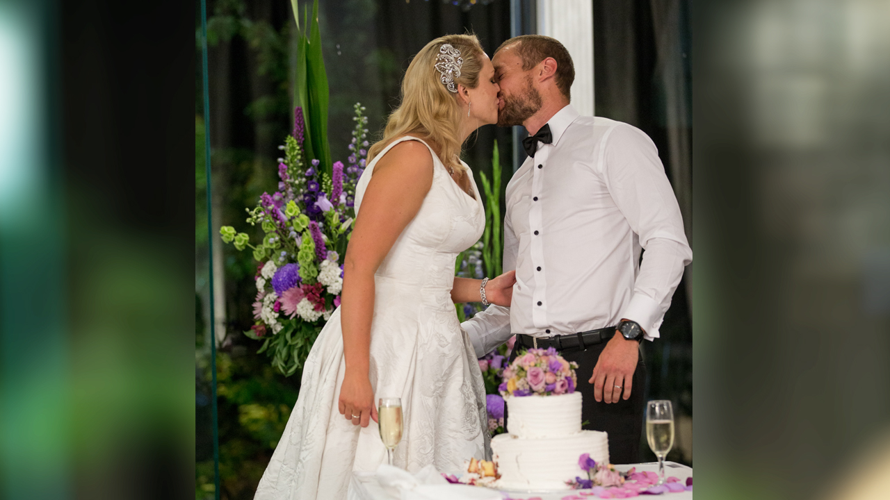 More cake flavoured kisses for Clare and Jono.