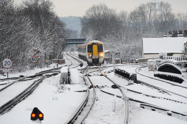 Frigid weather has seen the UK's trasit systems grinding to a halt. (Getty)