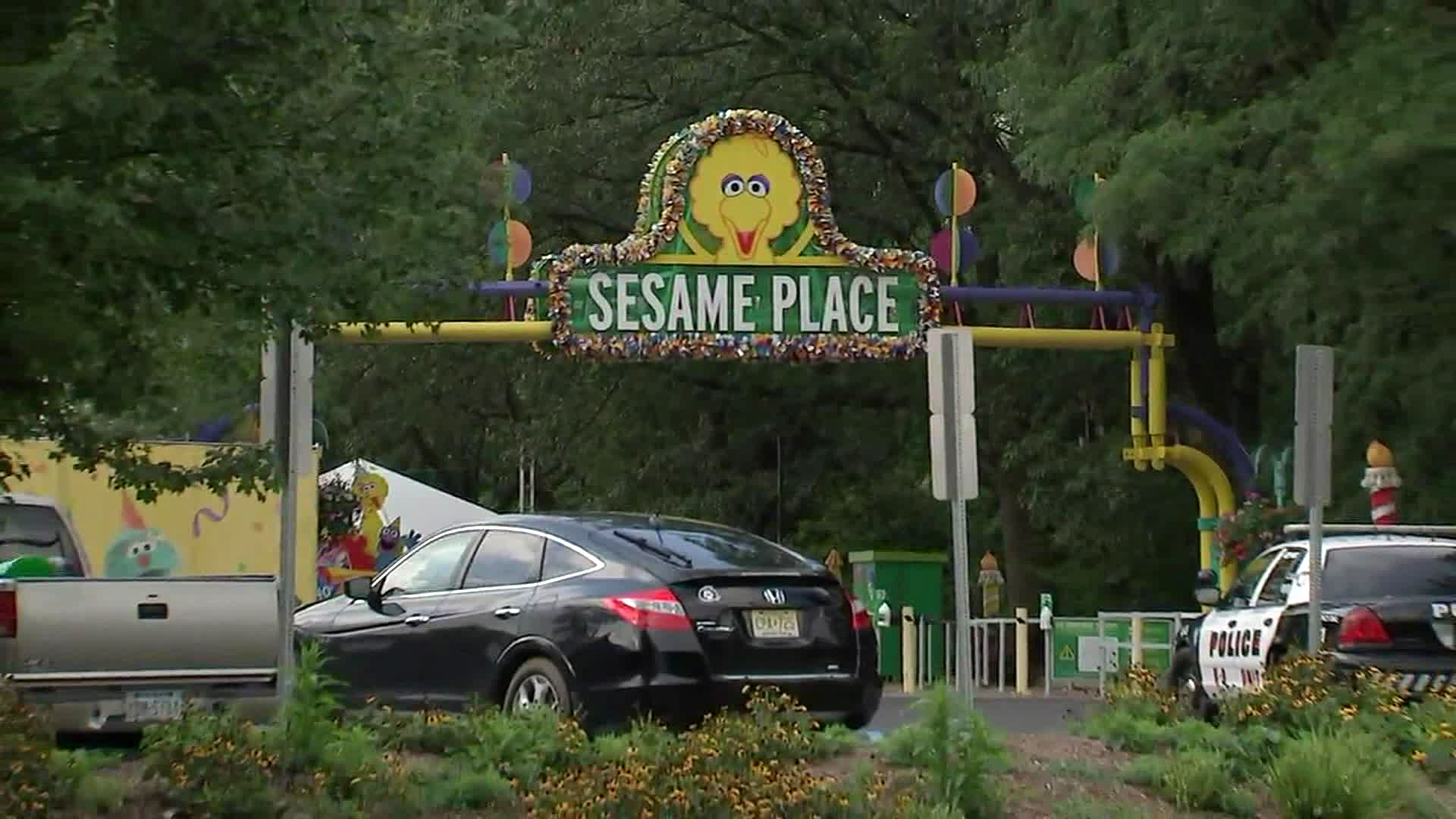 Teen theme park employee punched in face for enforcing facemask policy