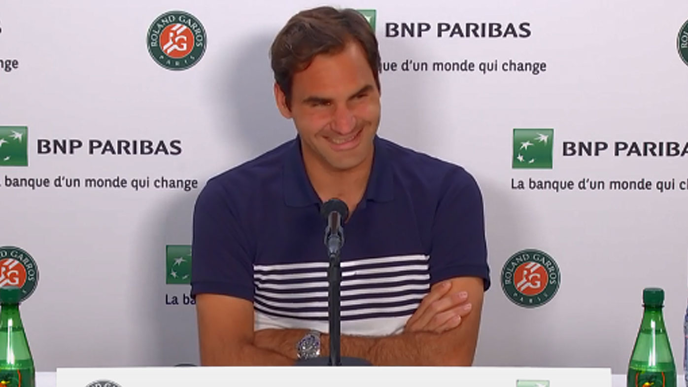 Federer reacts to bizarre question from reporter
