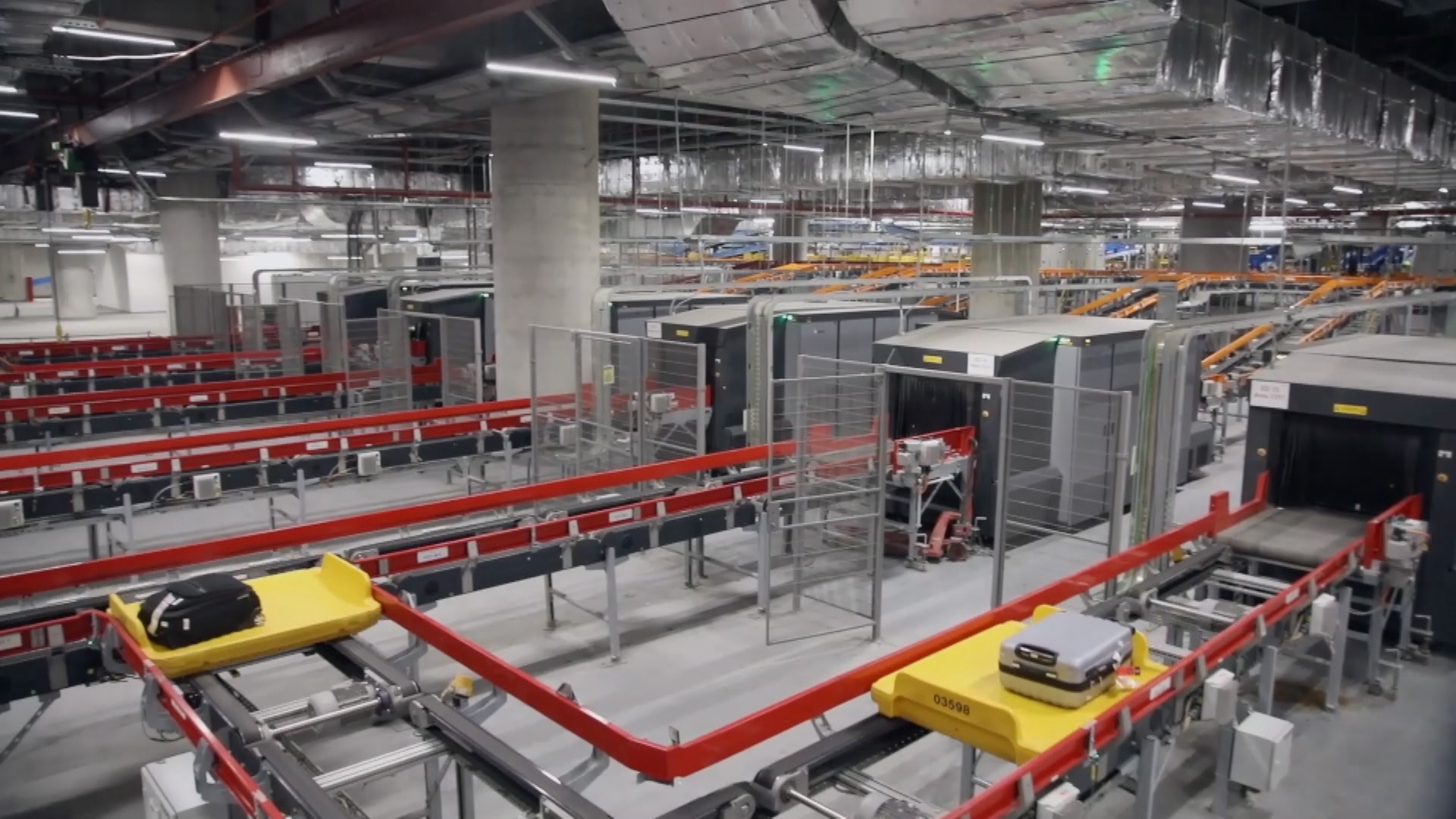 Dutch logistics giant Vanderlande have won the right to operate the baggage services at Sydney's second international airport.