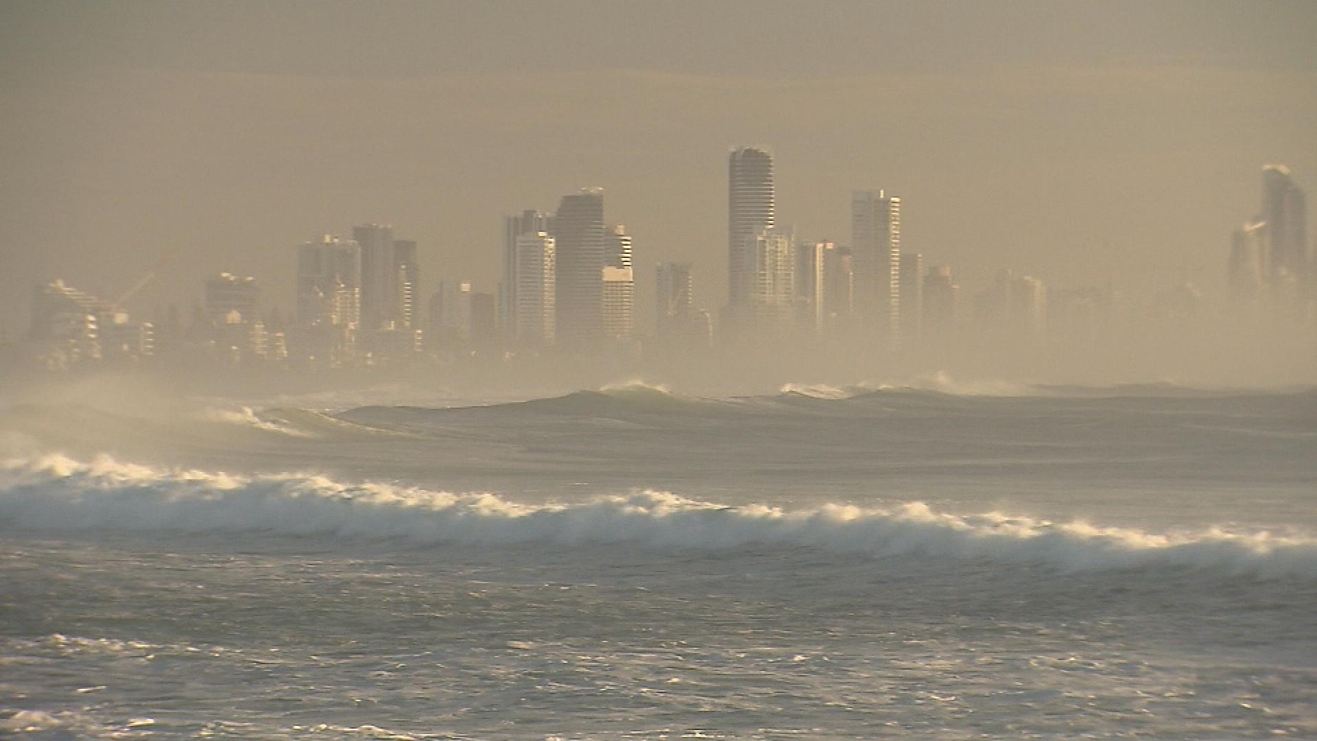Queensland coast hazardous surf (File)