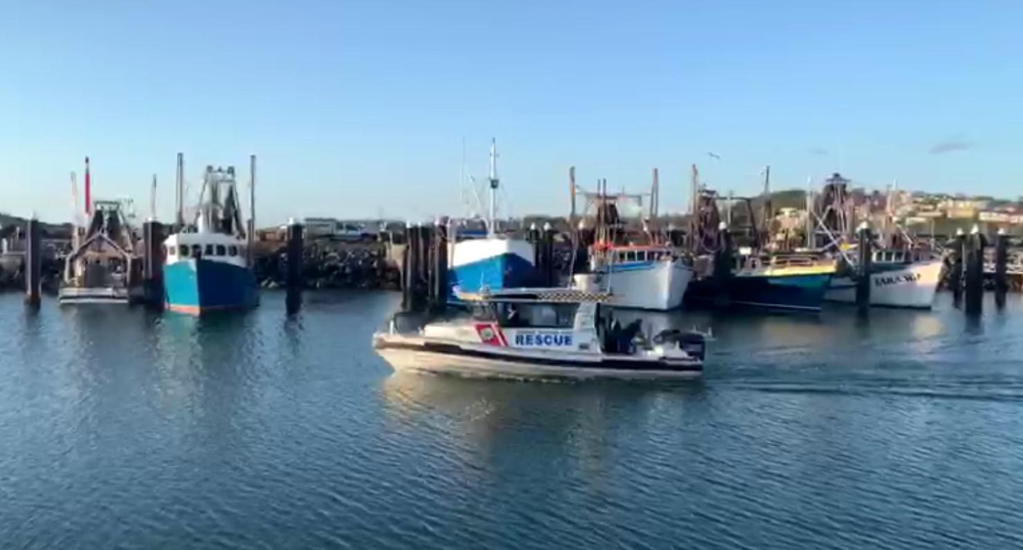 Two fishermen missing in tinnie near Coffs Harbour