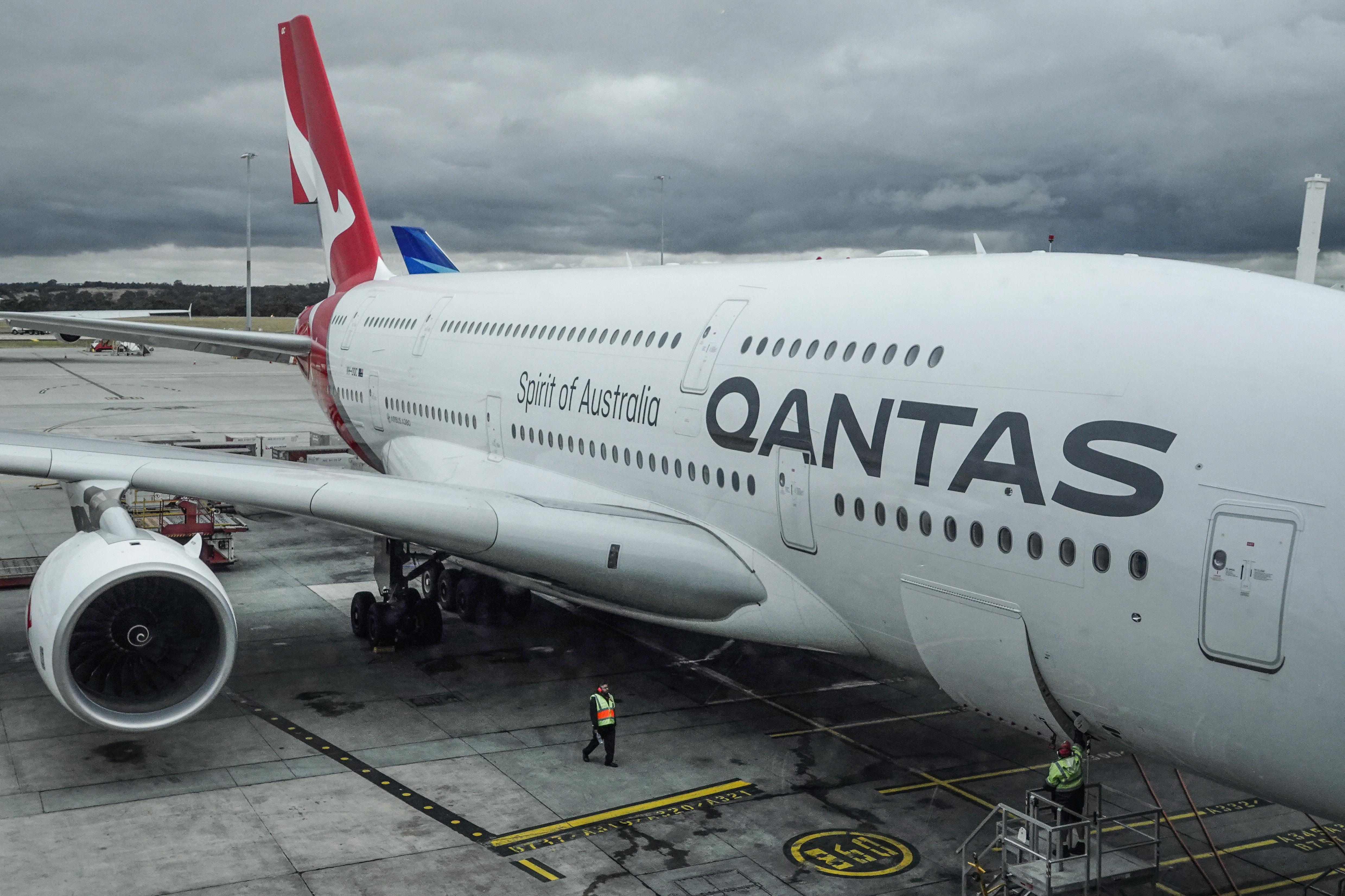 Victoria scraps quarantine for vaccinated returning Aussies
