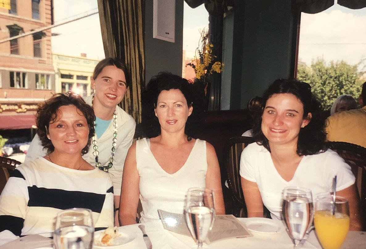 Lesley Thomas (centre) with her girlfriends, including Shele Lieberman (left), eating brunch two days before the World Trade Center was attacked on the morning of September 11.  Photo with kind permission of Shele Lieberman.