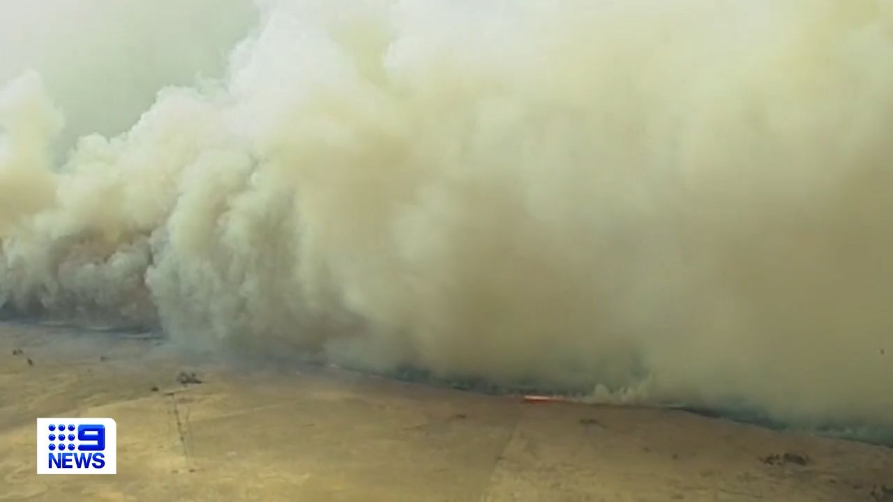 Blackford fire approaches Lucindale