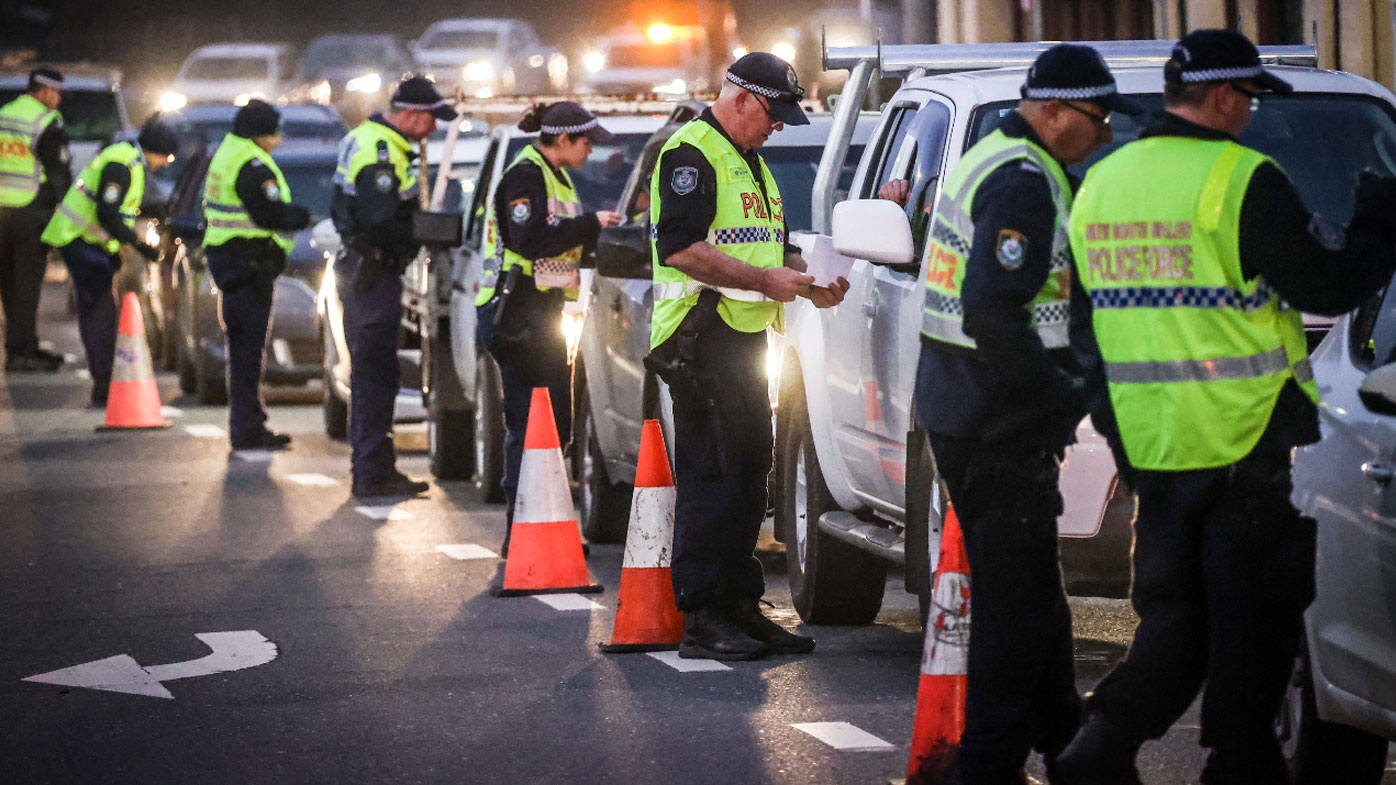 Knife and cash found in car of man allegedly illegally crossing NSW border