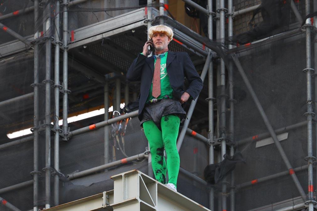 Extinction Rebellion activist climbs Big Ben scaffolding