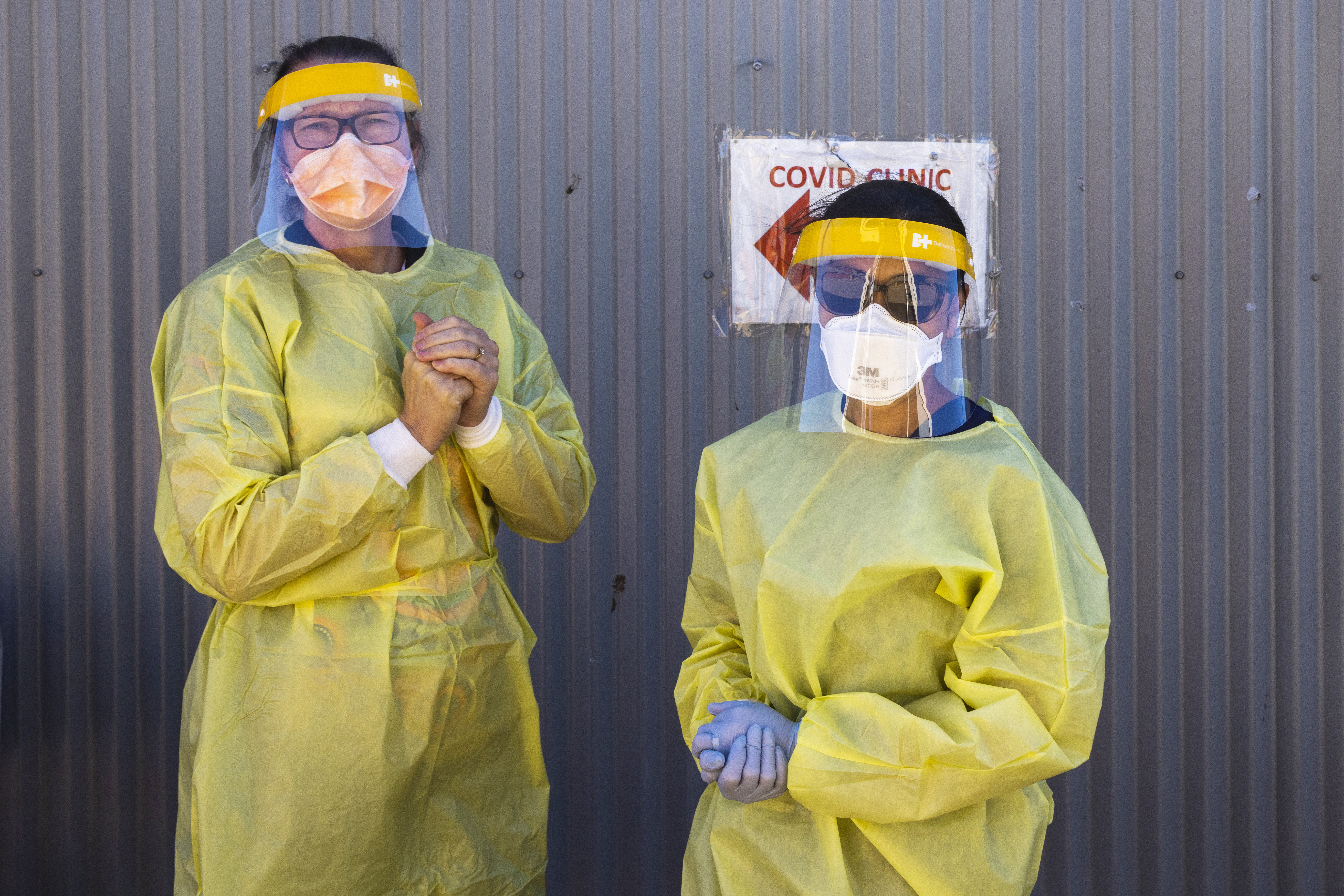Health care workers are seen at a COVID-19 testing clinic on September 08, 2021 in Nyngan, NSW. (Photo by Jenny Evans/Getty Images)