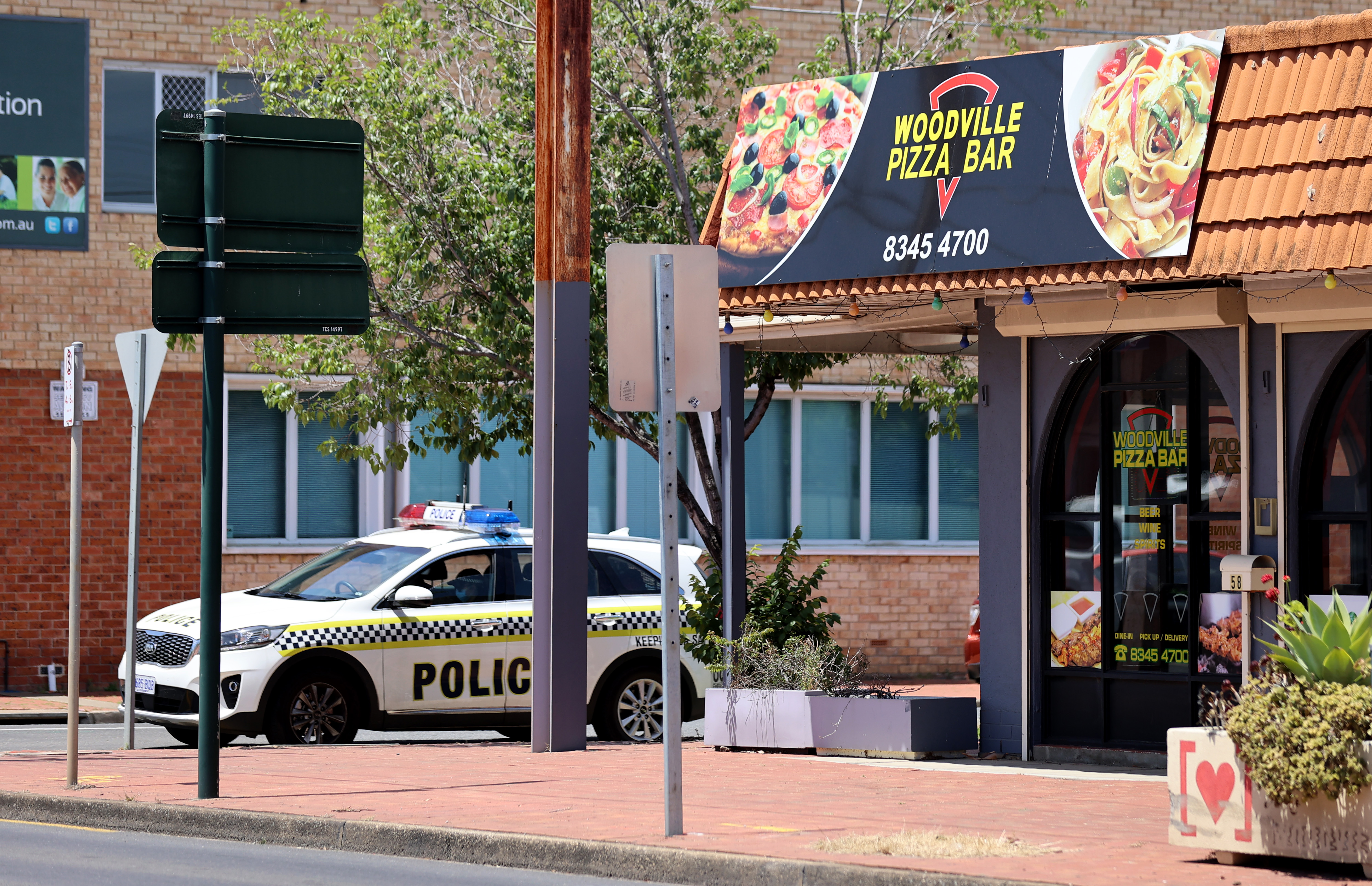 SA Pizza bar worker who allegedly lied to contact tracers 'deeply sorry'