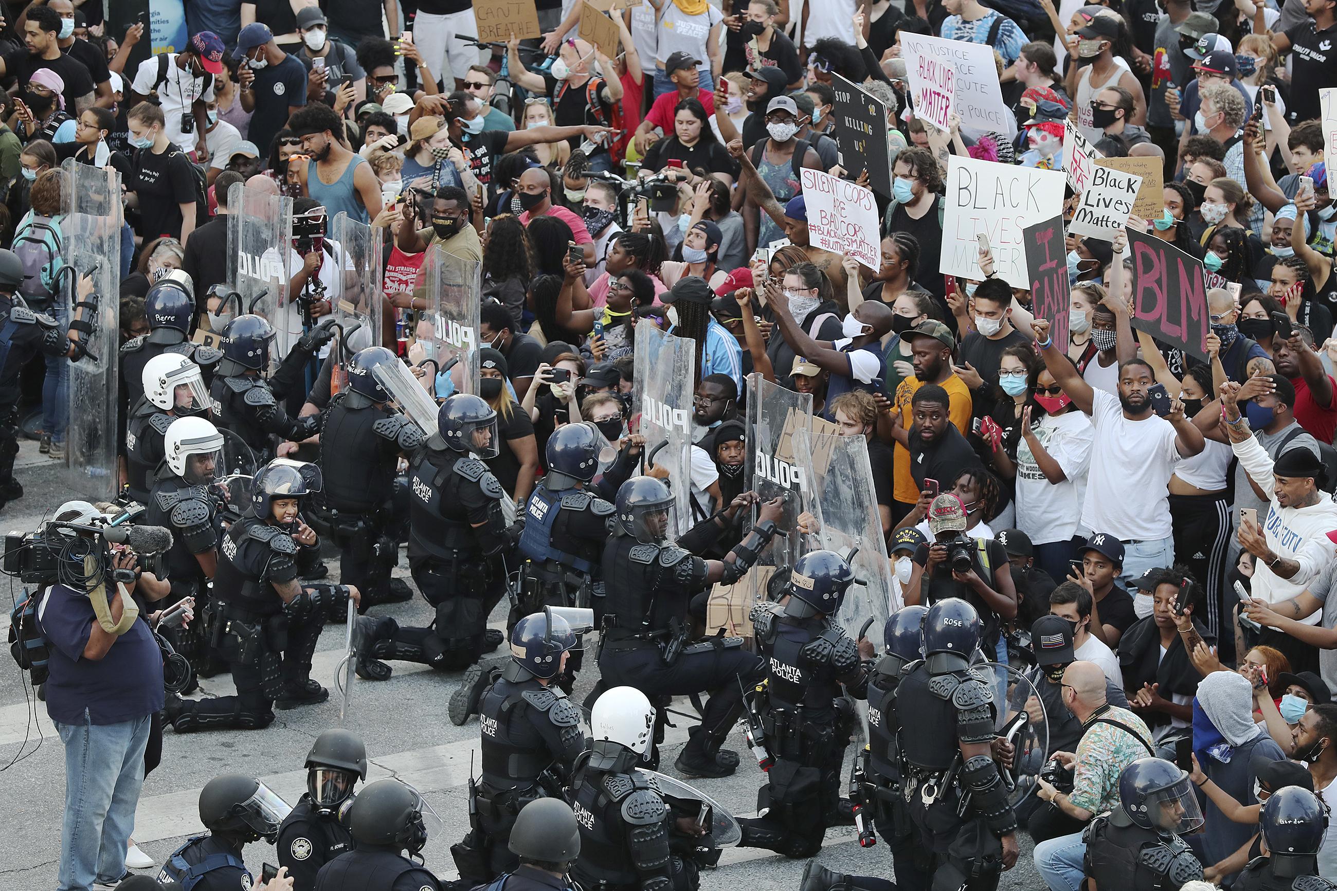 Следующие 4 года США ждут очень весёлые времена, где анархия будет «буквой закона»?