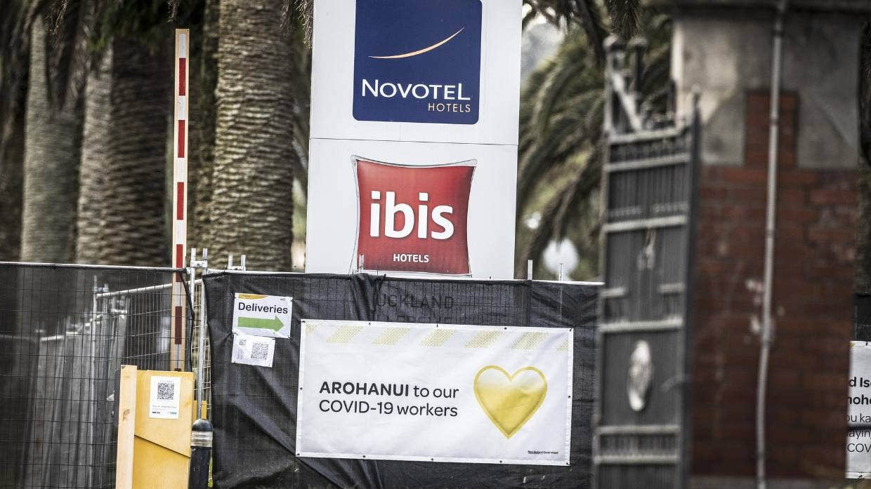 """New Zealand's Deputy Prime Minister said there was """"no risk to public safety"""" linked to a COVID-positive person fleeing the Novotel MIQ facility."""