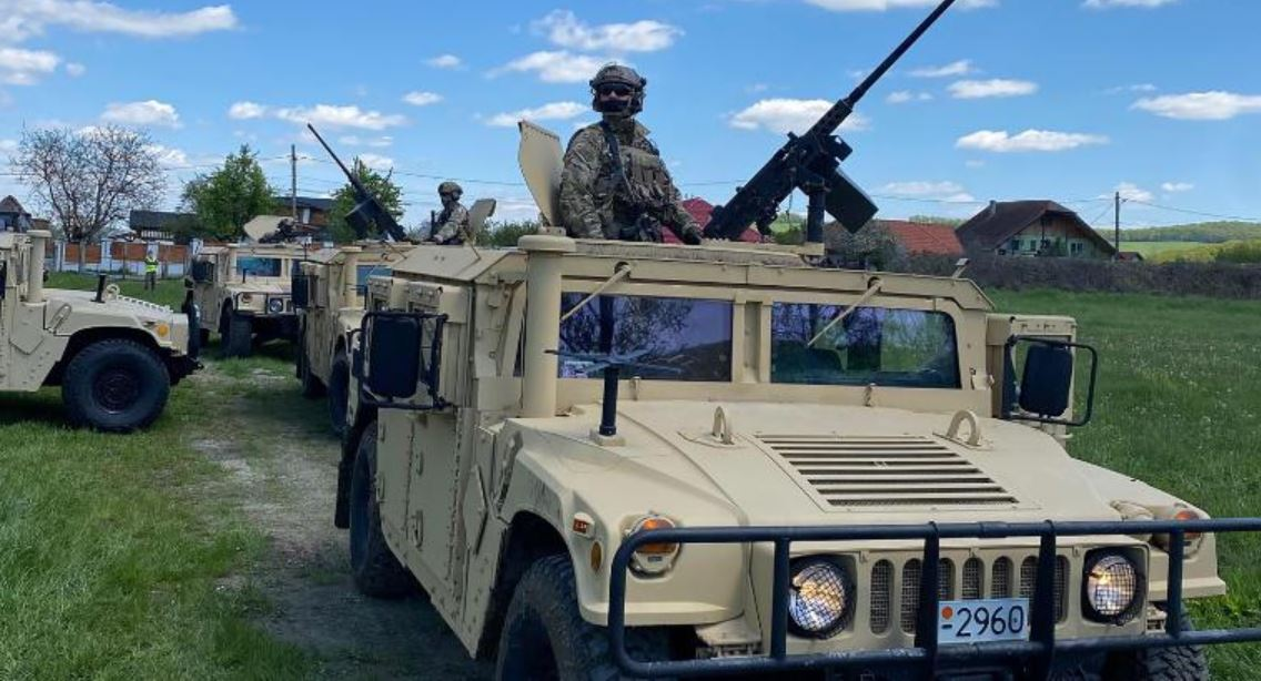 Tensions rise between Russia and US during war games