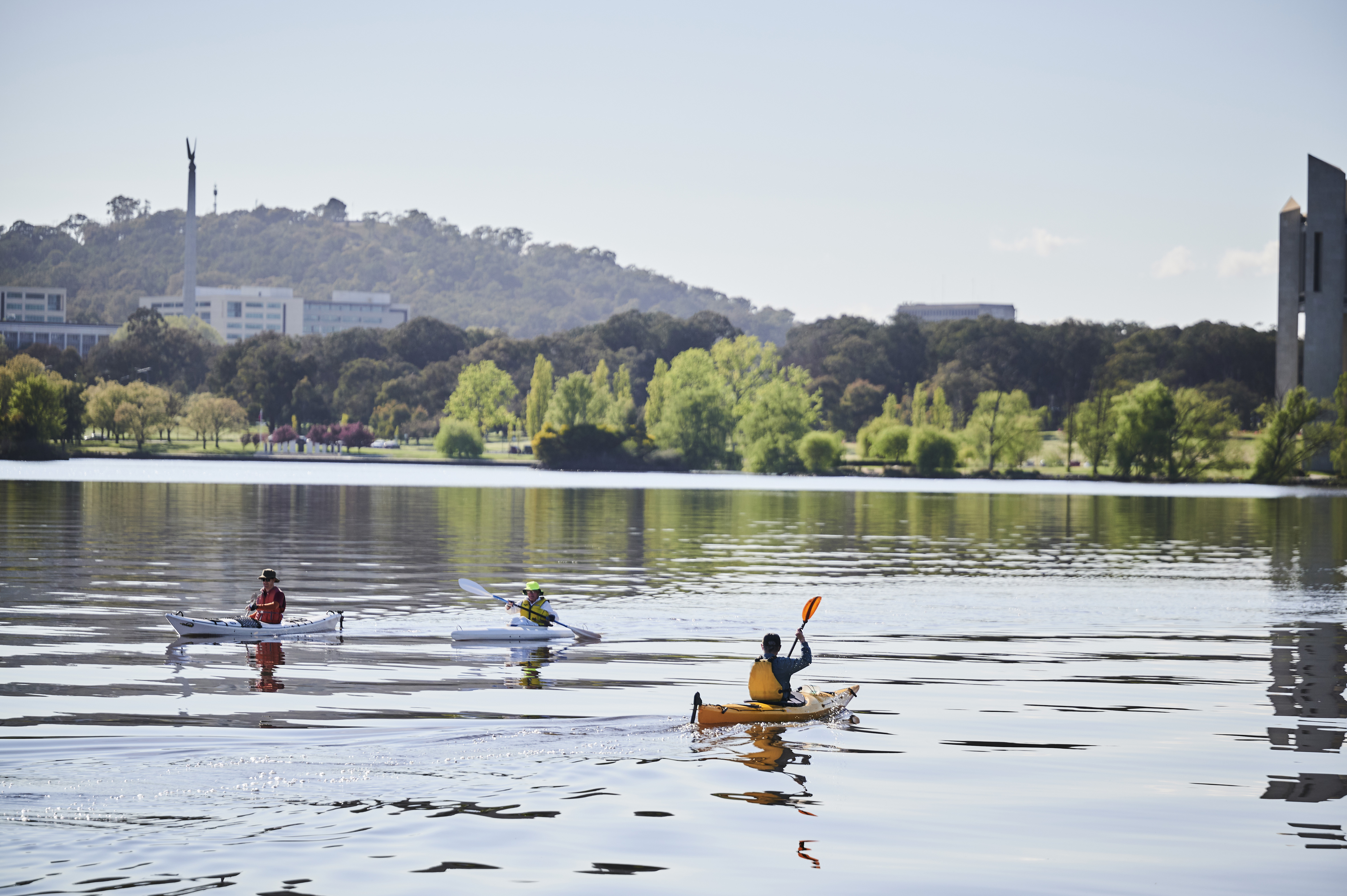 CANBERRA, AUSTRALIA - OCTOBER 08: Kayakers on Lake Burley Griffin on October 08, 2021 in Canberra, Australia. Lockdown restrictions remain in place for Canberra, with residents subject to stay-at-home orders as the ACT continues to record new local COVID-19 cases. The current lockdown restrictions are due to remain in place until Friday 15 October 2021. (Photo by Rohan Thomson/Getty Images)