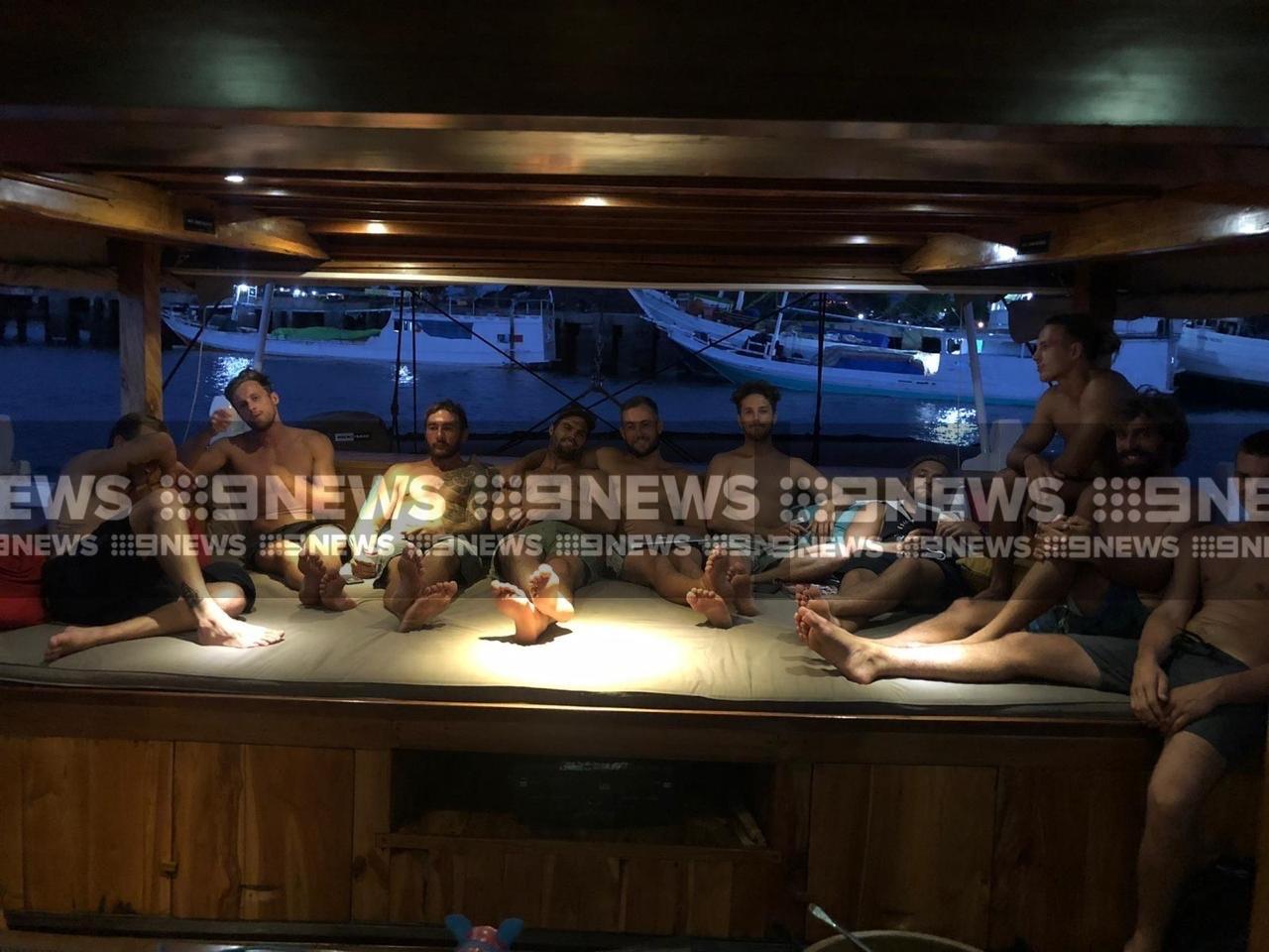 Aussie surfers disembark after ...