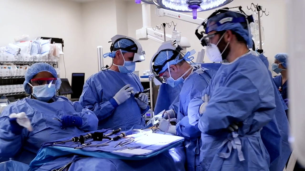 New device gives doctors 'superpowers' during complicated surgeries
