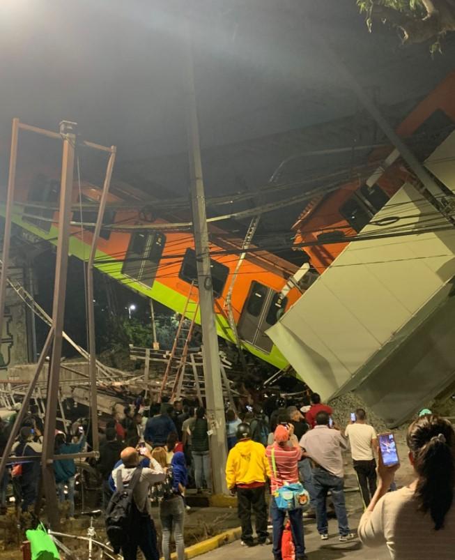 Mexican train bridge collapses, killing 20