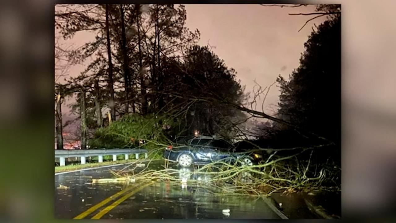 'Extremely dangerous' US tornado leaves 100 million people on alert