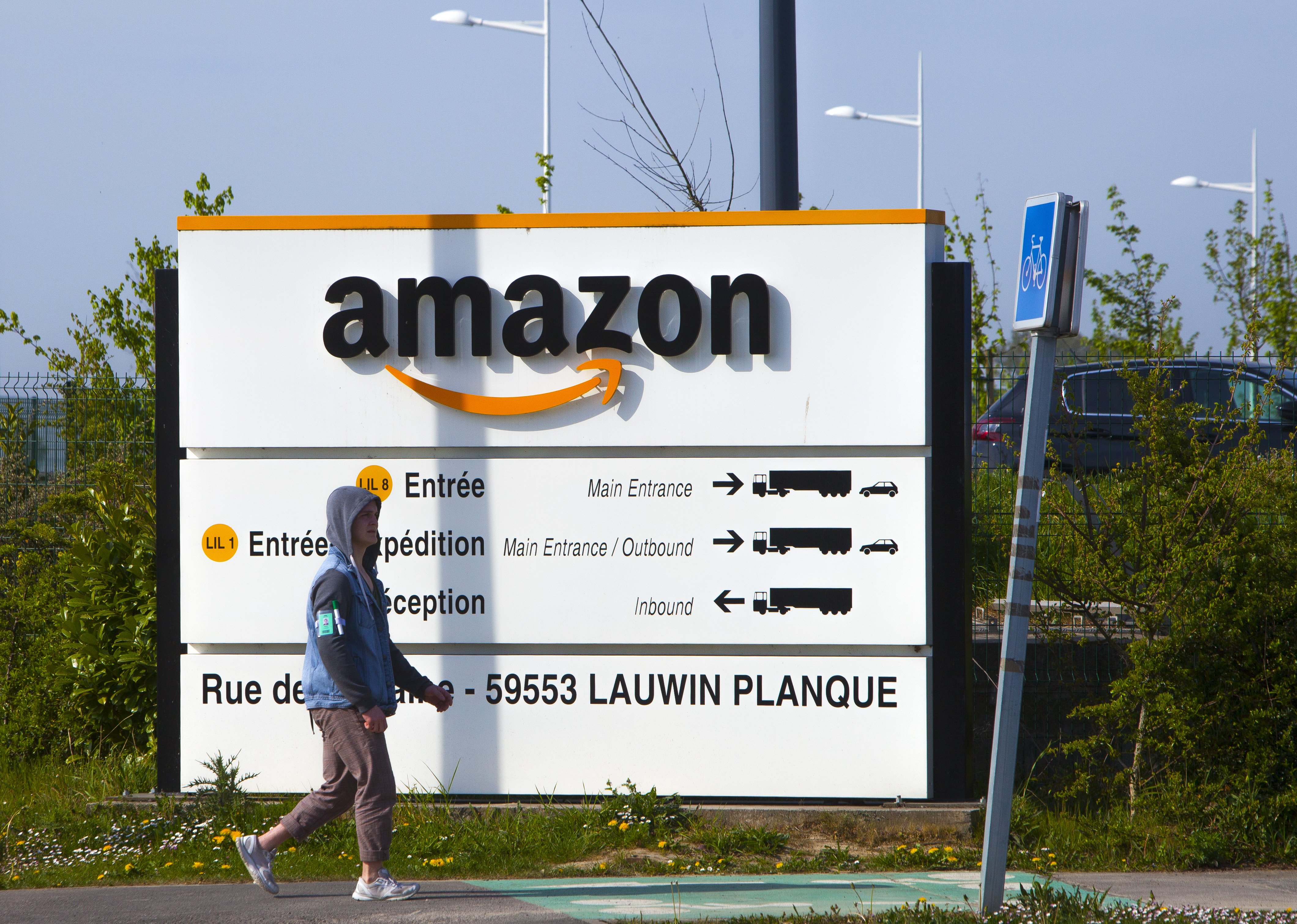 Amazon to develop COVID-19 test in bid to kickstart struggling economy