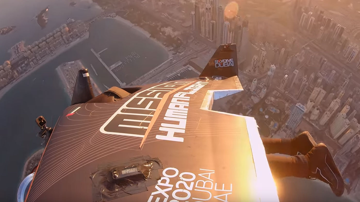 The wingsuit reached up to 1800m in altitude from a standing start.