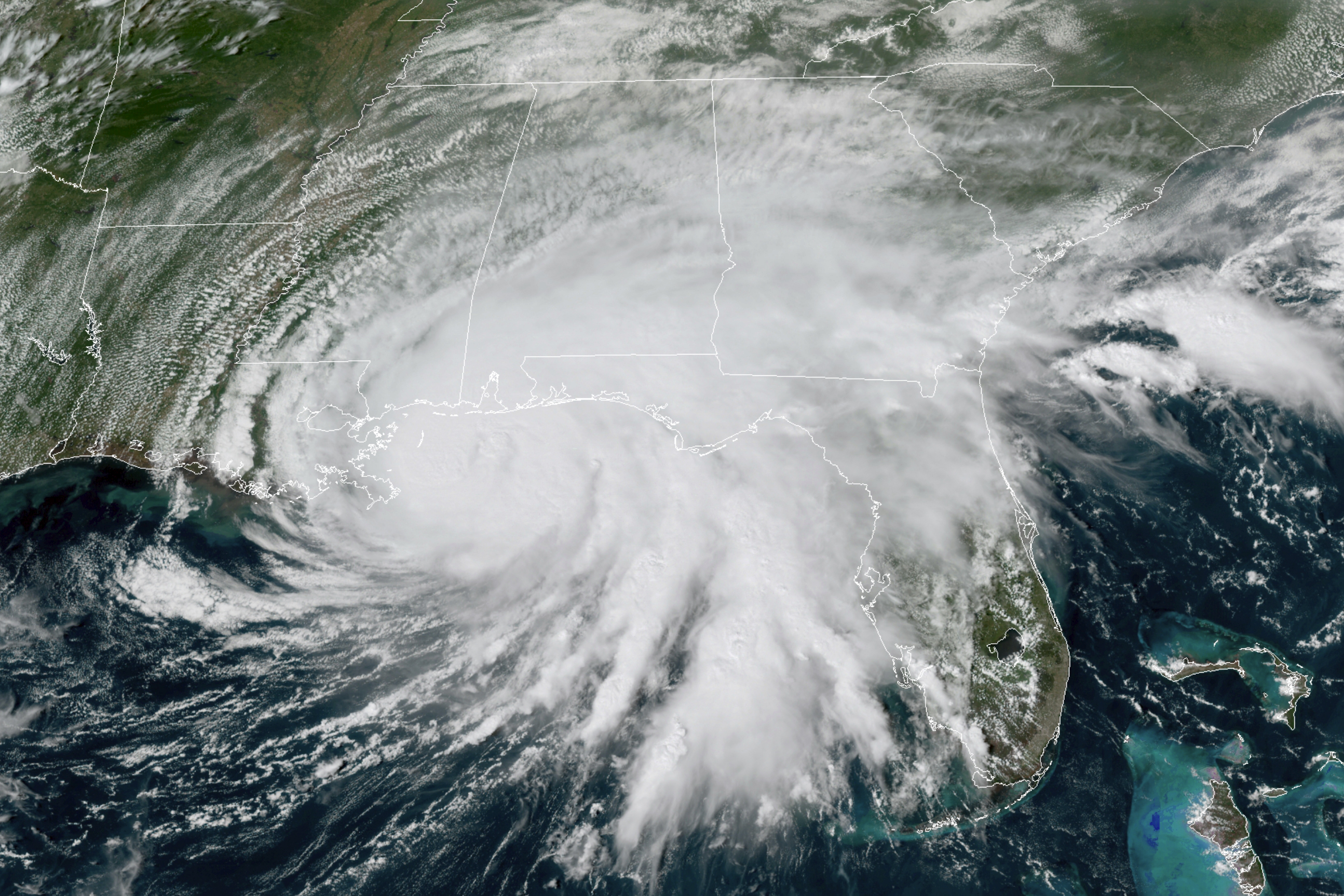 Hurricane Sally makes landfall on US coastline in Alabama with 165km/h winds