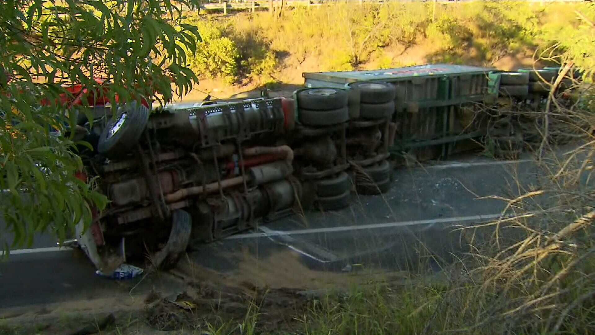 Lanes reopen after Ipswich truck rollover