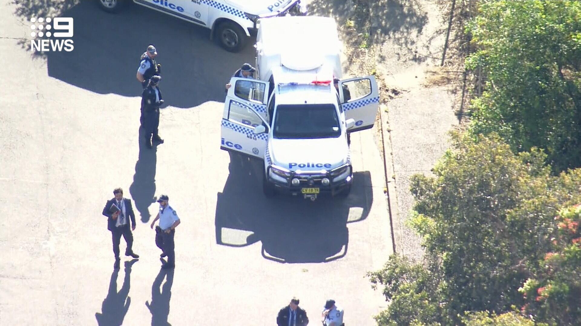 Manhunt underway after man stabbed in stomach in Sydney
