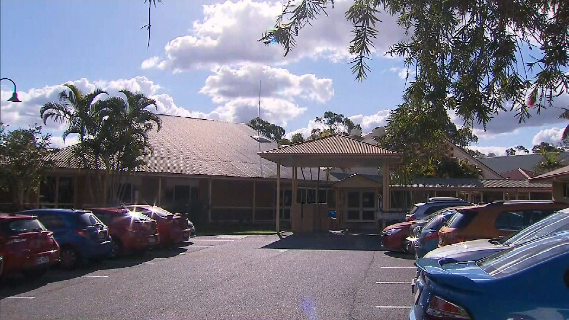 One new case in Queensland as nursing homes put under new restrictions