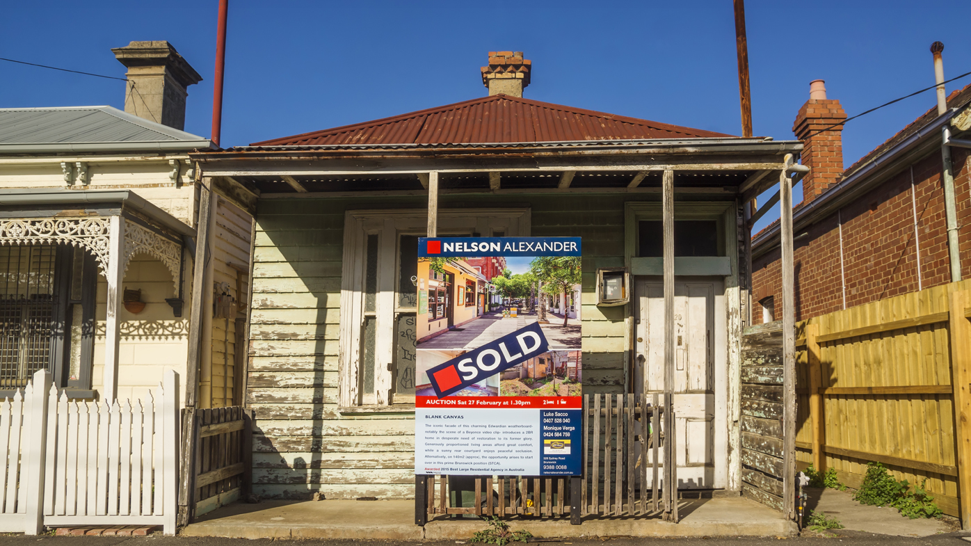 Melbourne's property values plunge during COVID-19 pandemic