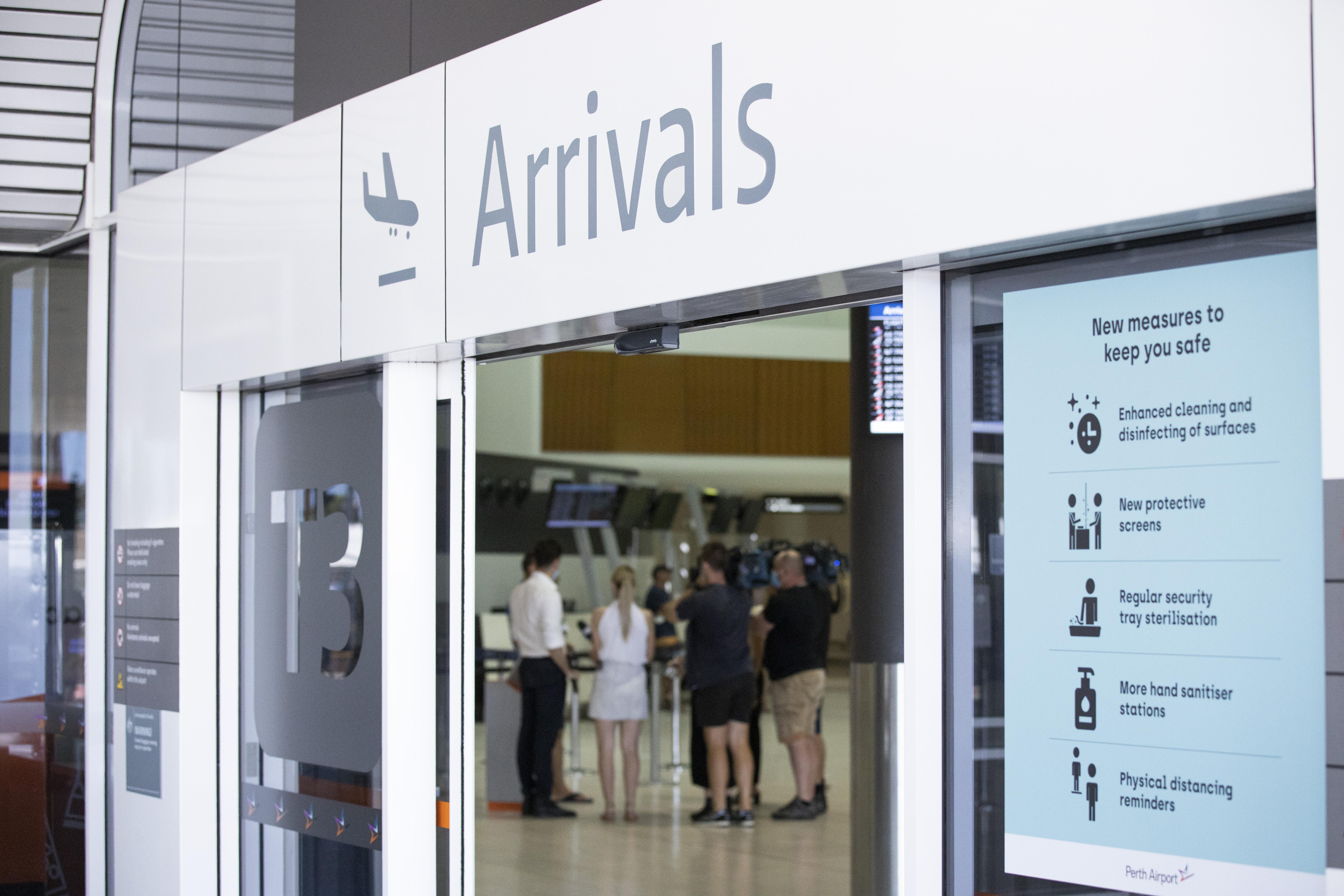 Returned travellers catch COVID-19 in WA hotel quarantine