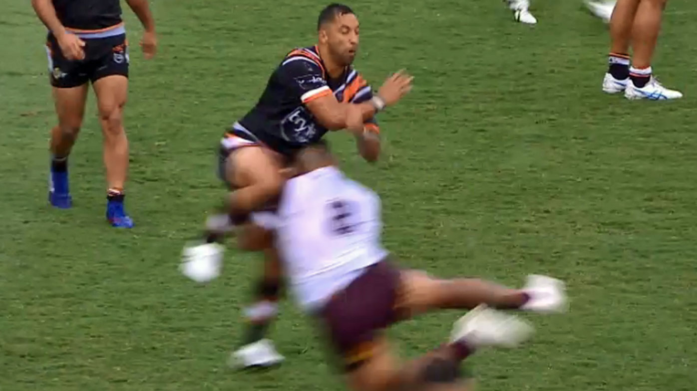 Benji Marshall is awkwardly tackled