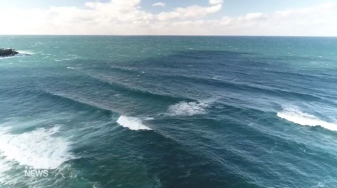 Huge swell smashes Sydney