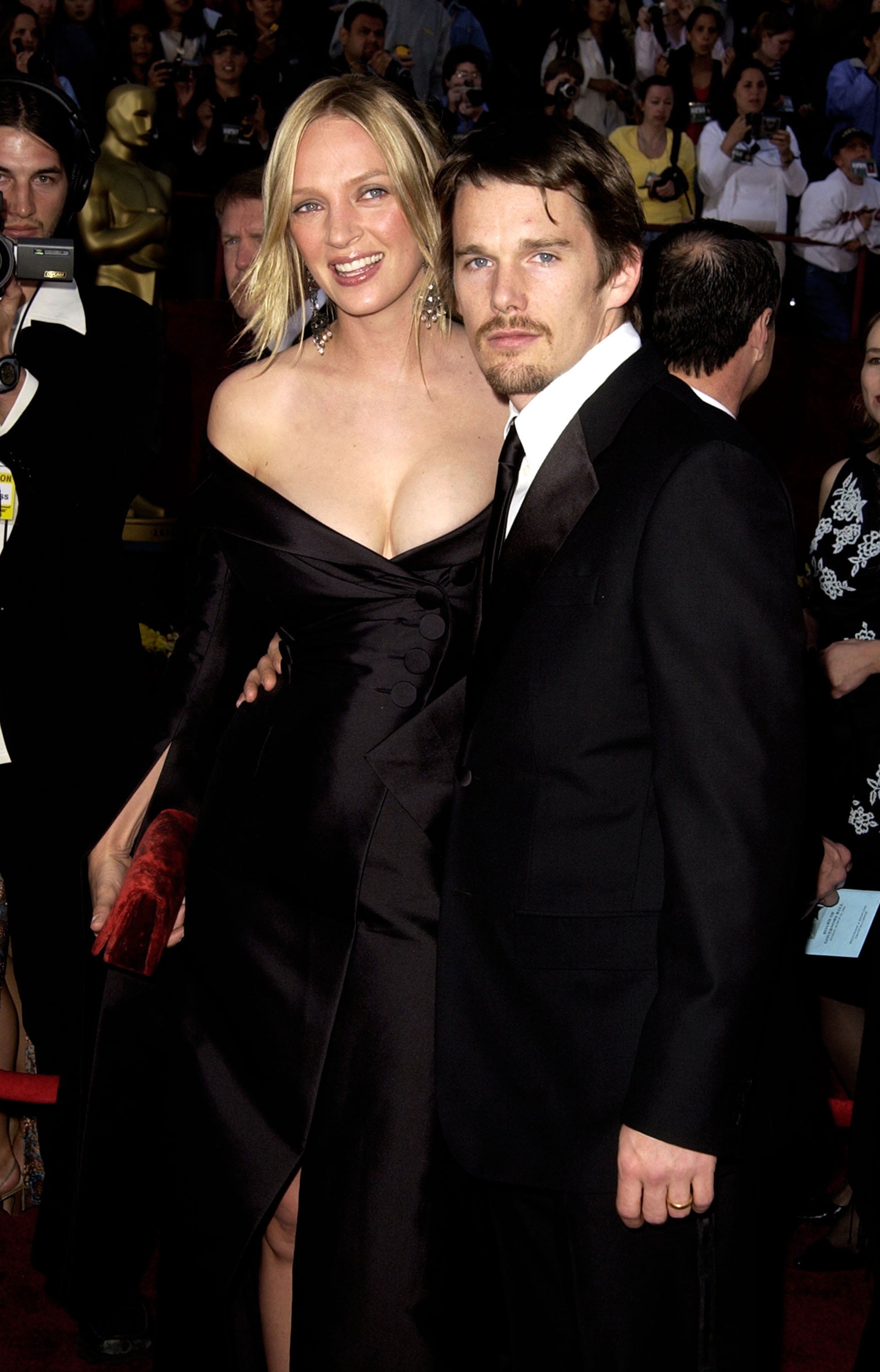 Uma Thurman & Ethan Hawke at the Kodak Theater in Hollywood for the 74th Annual Academy Awards in 2002.