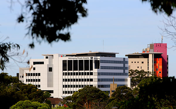 Doctor at NSW hospital exposed to COVID-19 case