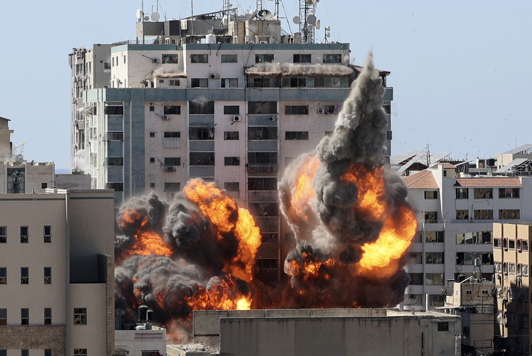 Israeli airstrike flattens media building