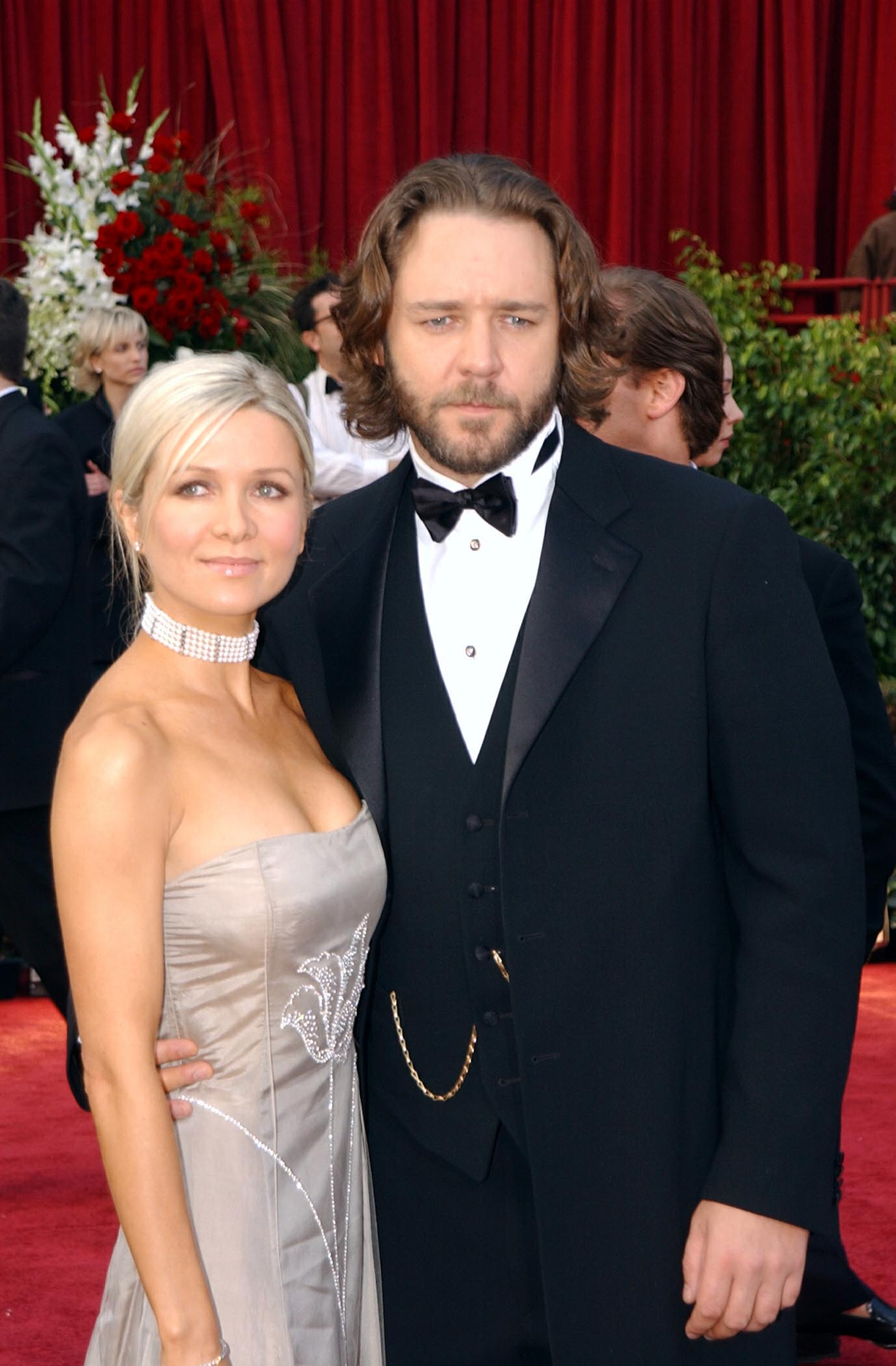 Russell Crowe and Danielle Spencer during The 74th Annual Academy Awards in 2002.