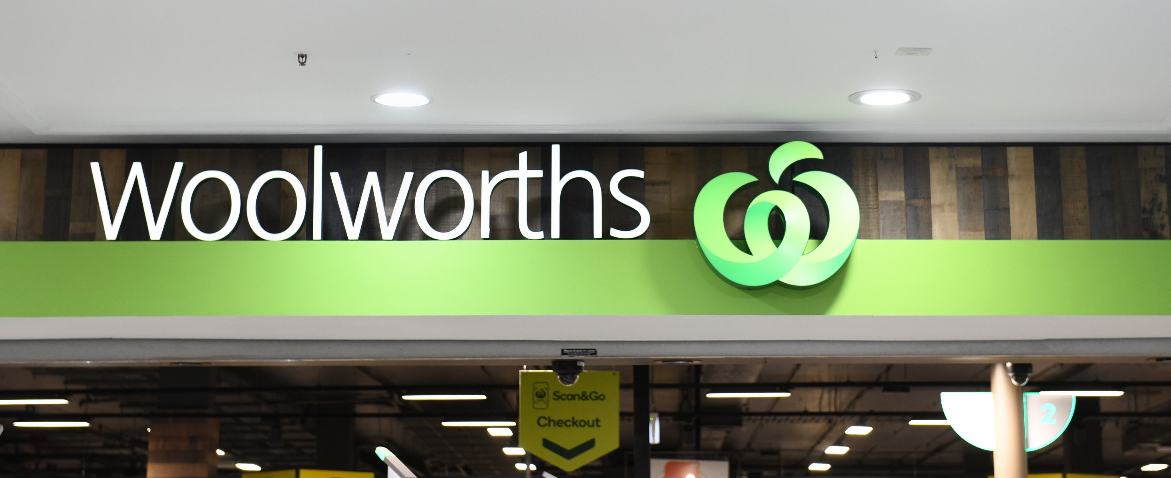 Woolies staff fitted with body cameras amid steep rise in abuse