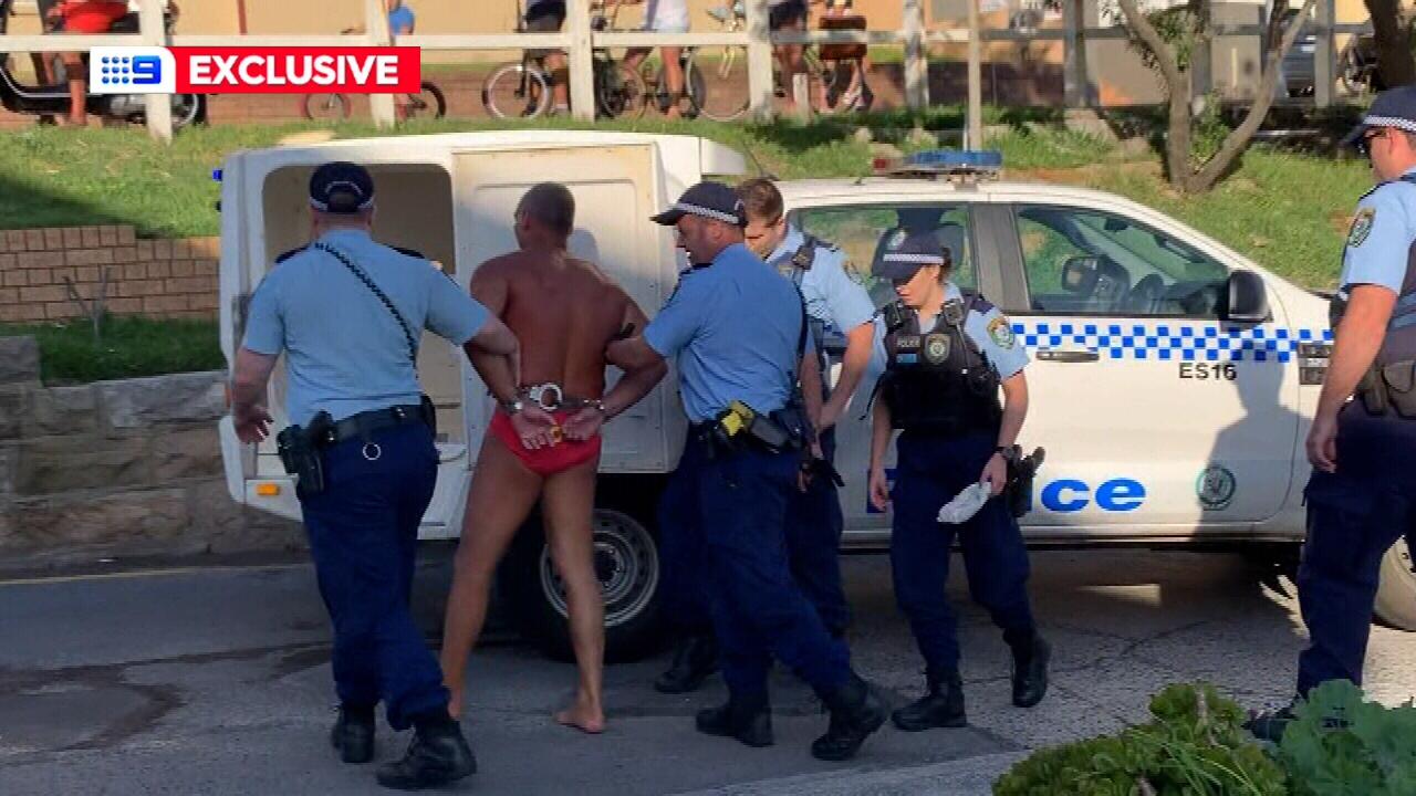 القبض على رجل في شاطئ بوندي - فيروس كورونا