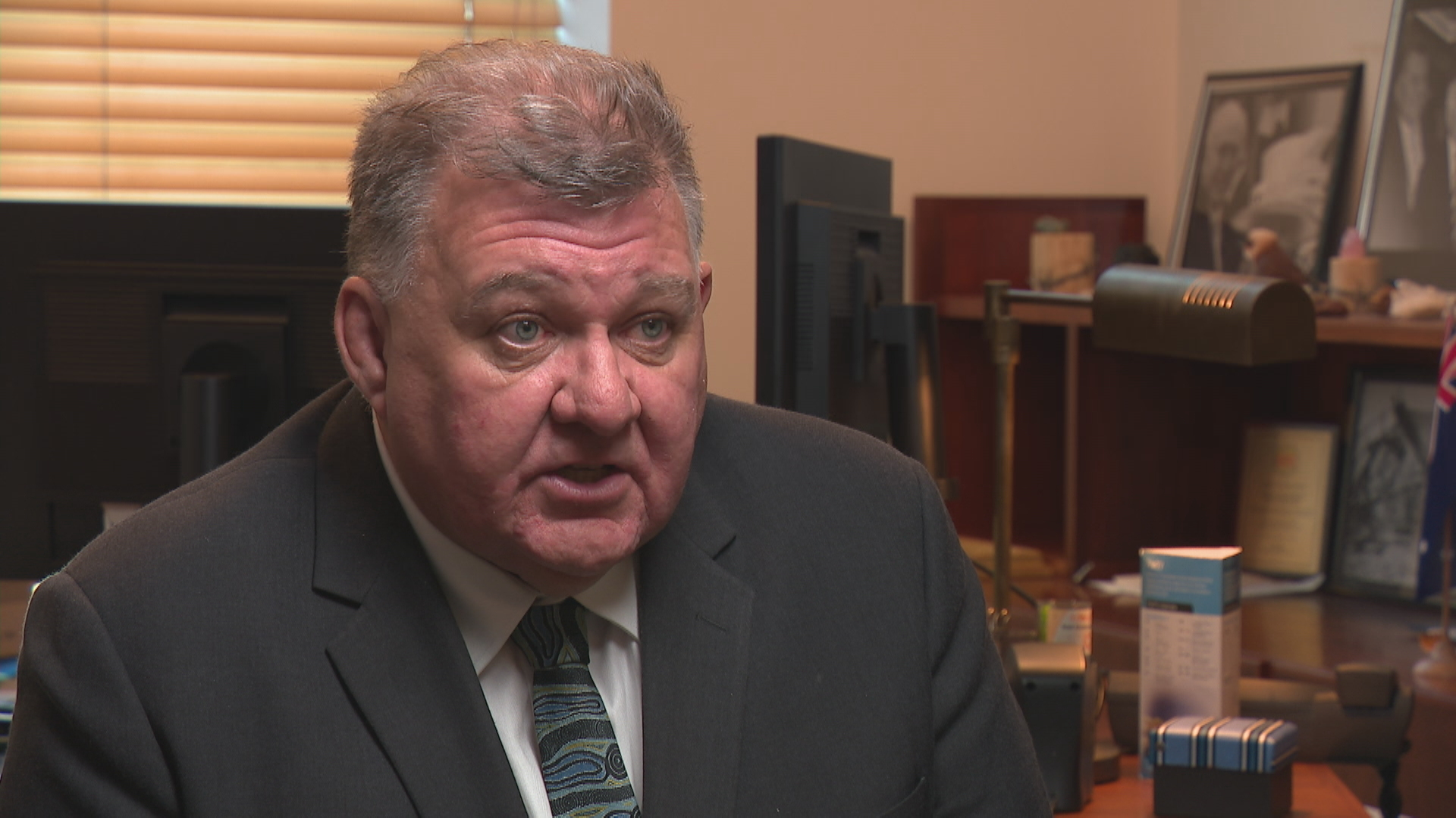 Craig Kelly says he will run independently after quitting Liberal Party