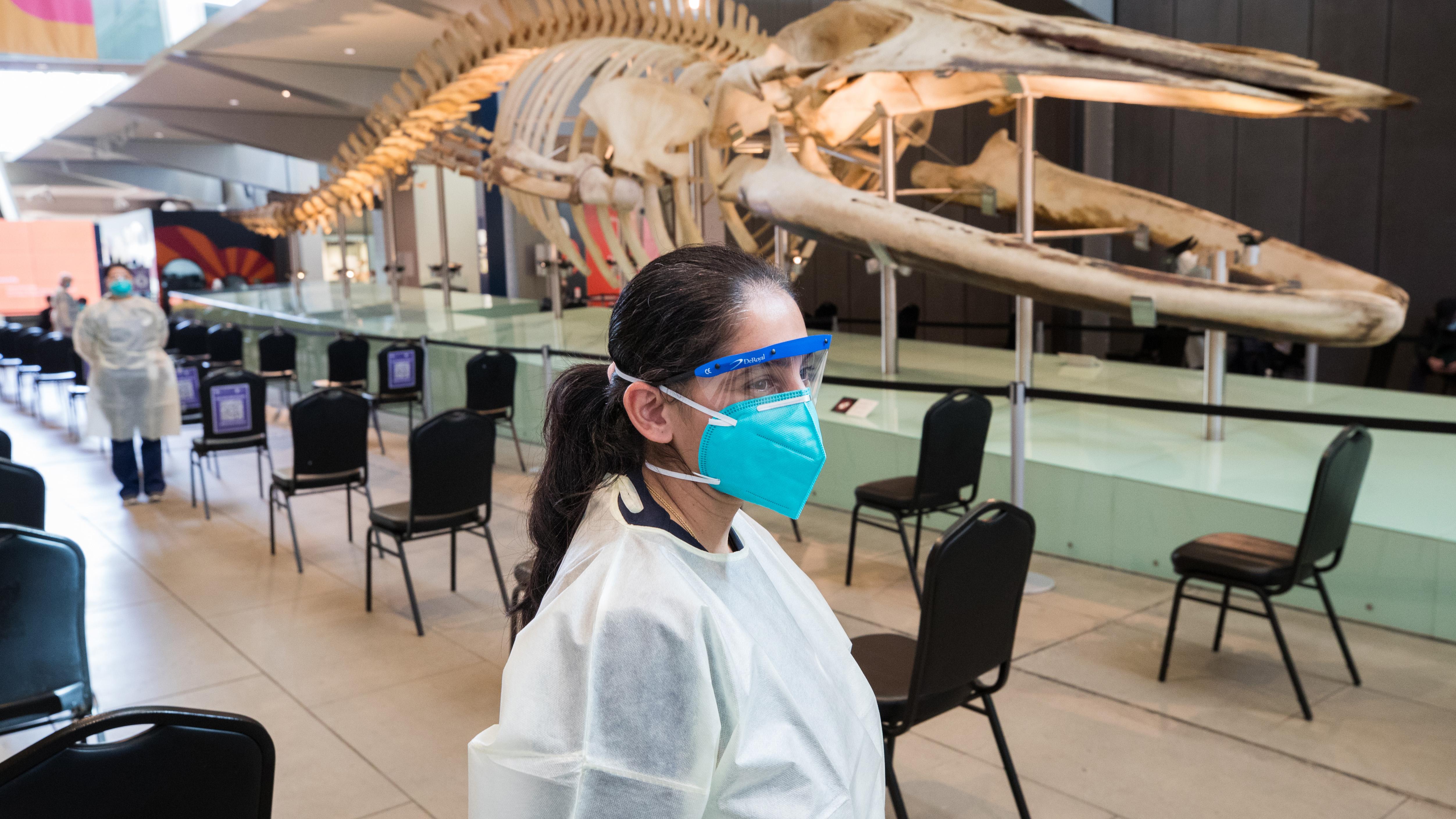 Victoria records 423 new cases of COVID-19