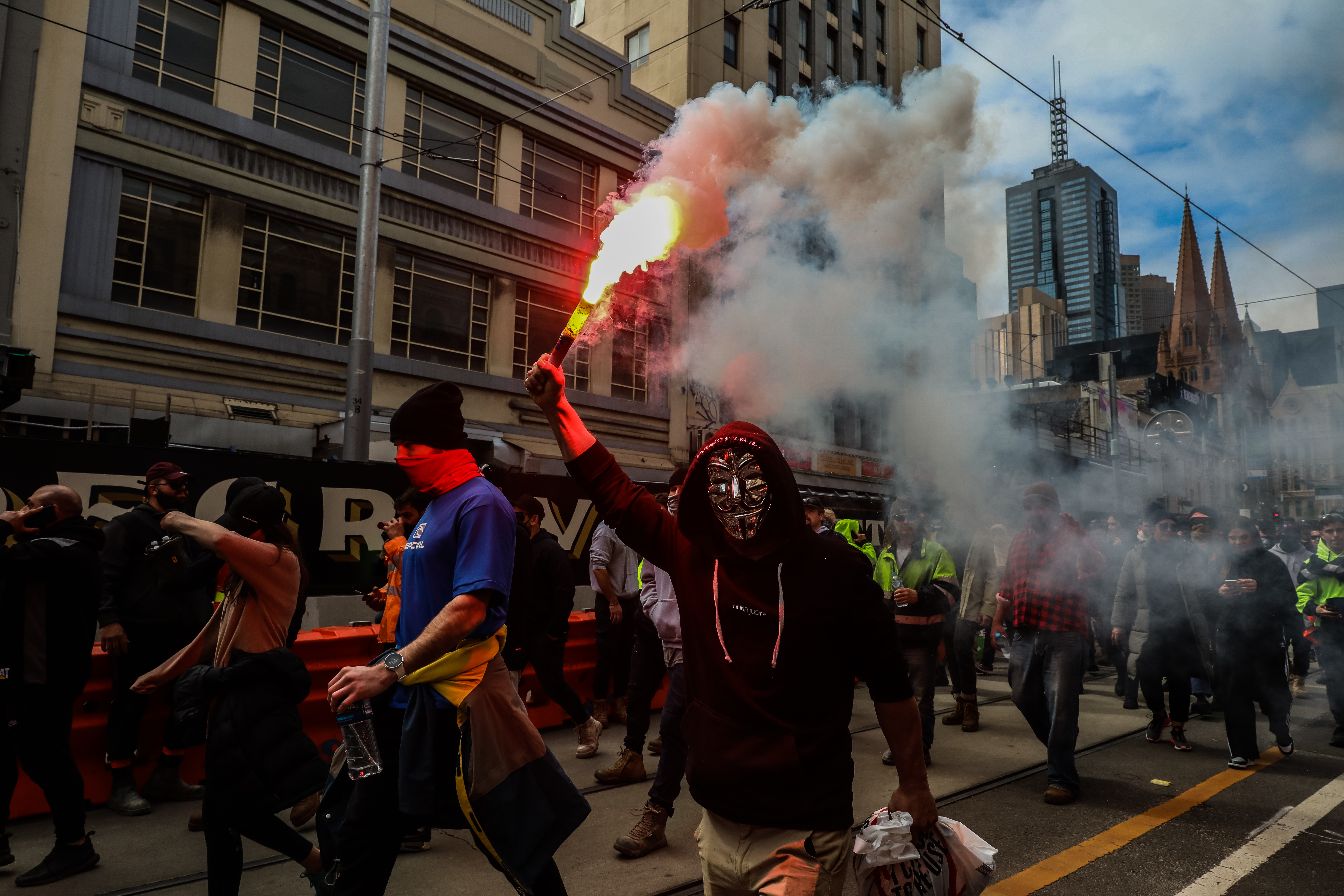 'Anger' won't end the pandemic, Premier says, as Melbourne braces for third day of protests