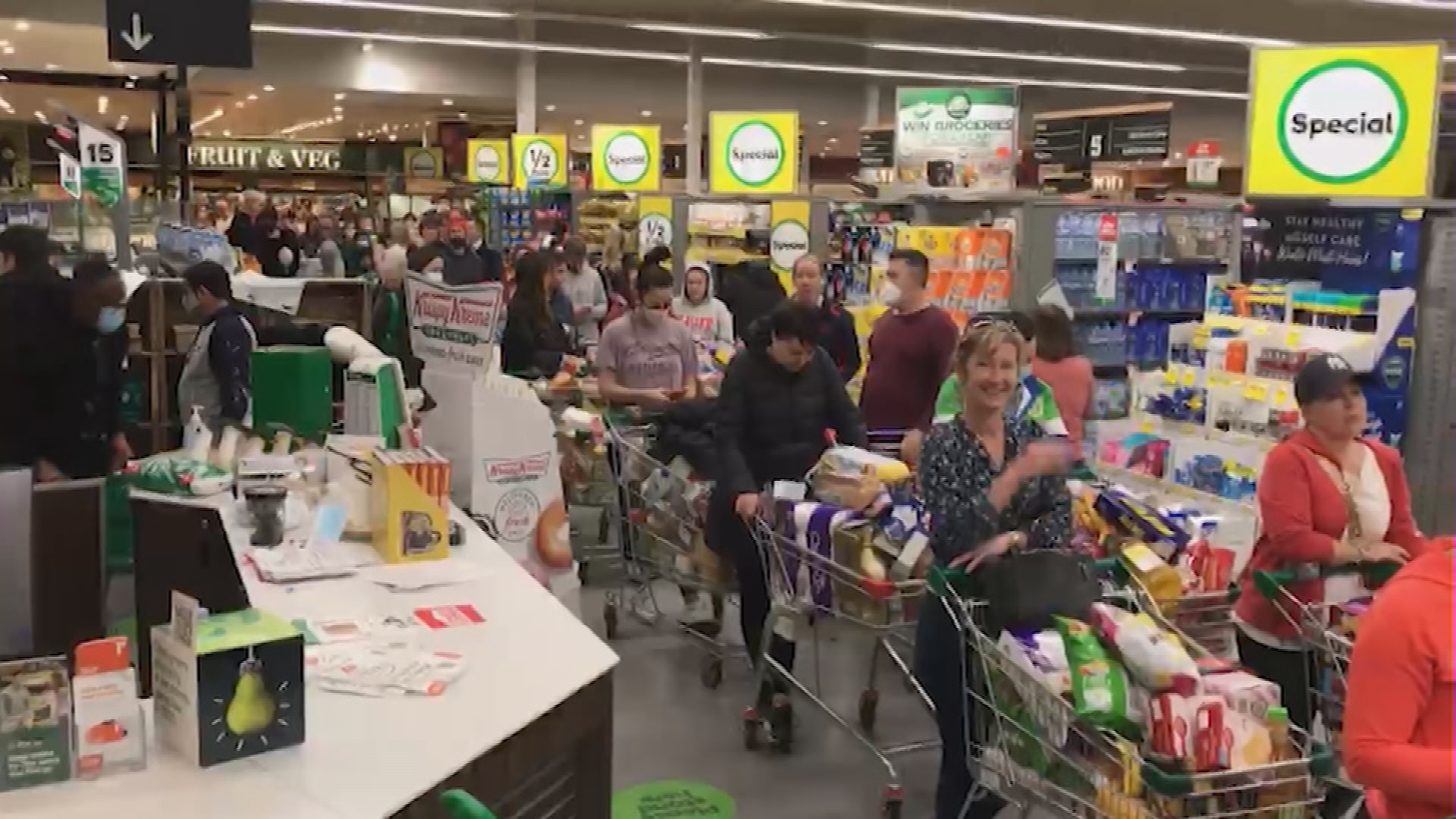 Supermarkets across Canberra and the ACT are packed with people ahead of the lockdown.