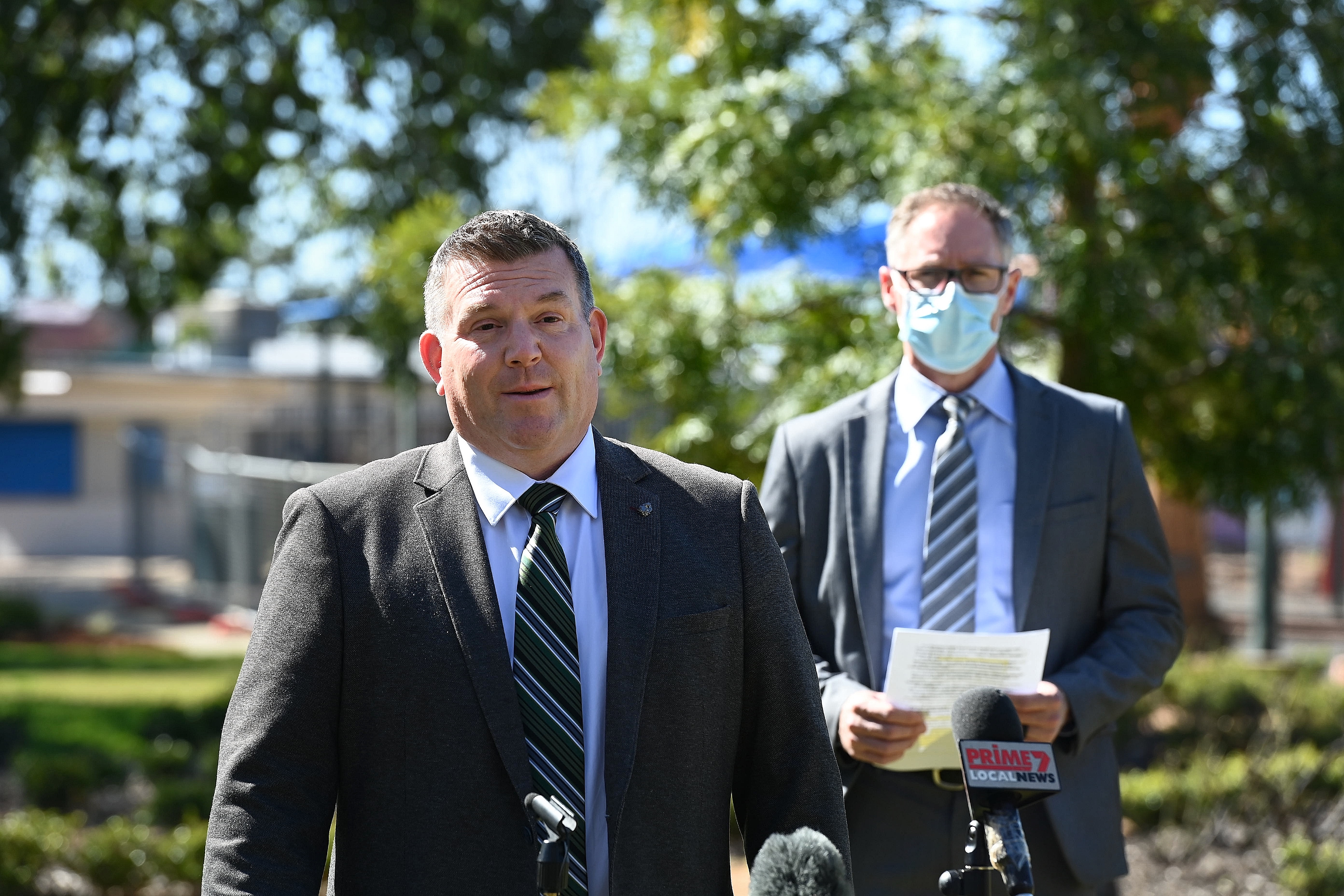 Dubbo NSW MP Dougald Saunders (left) and CEO of Western NSW Local Health District Scott McLauchlan (right) during a local COVID-19 update in Victoria Park, Dubbo, NSW. (Photo: Kate Geraghty)