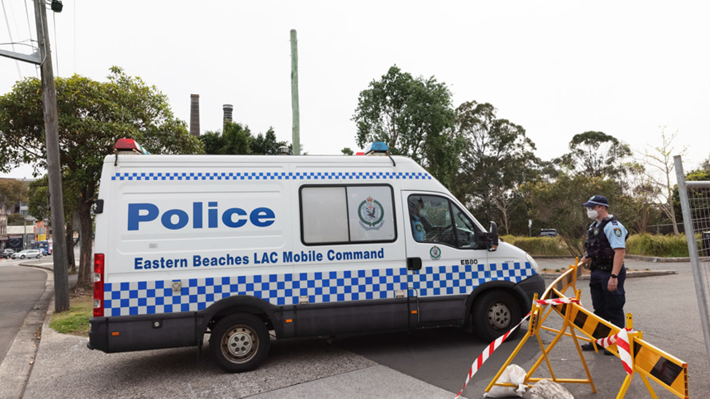 Police out in force to deter Sydney lockdown protesters