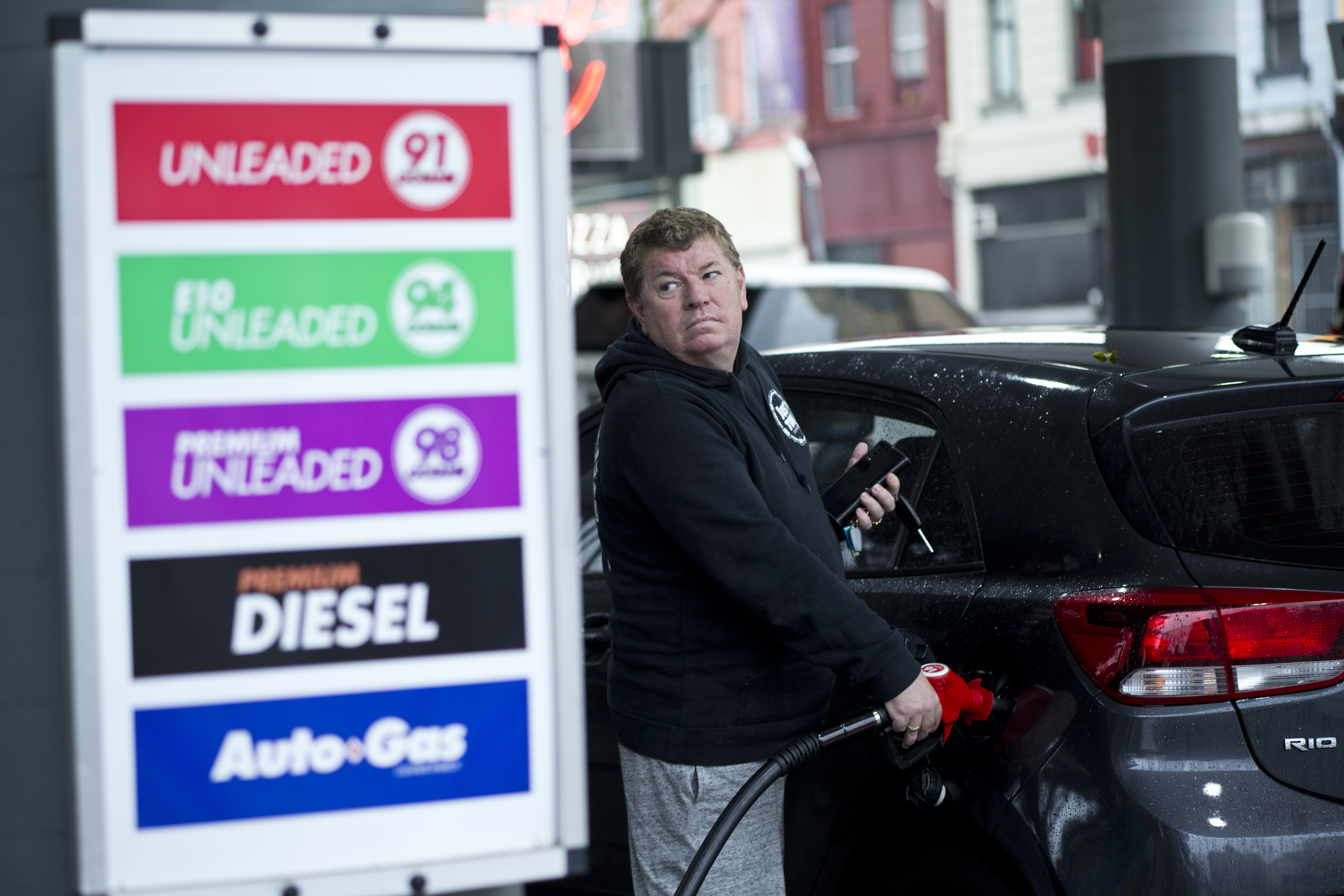 Big chain petrol more expensive than independent outlets